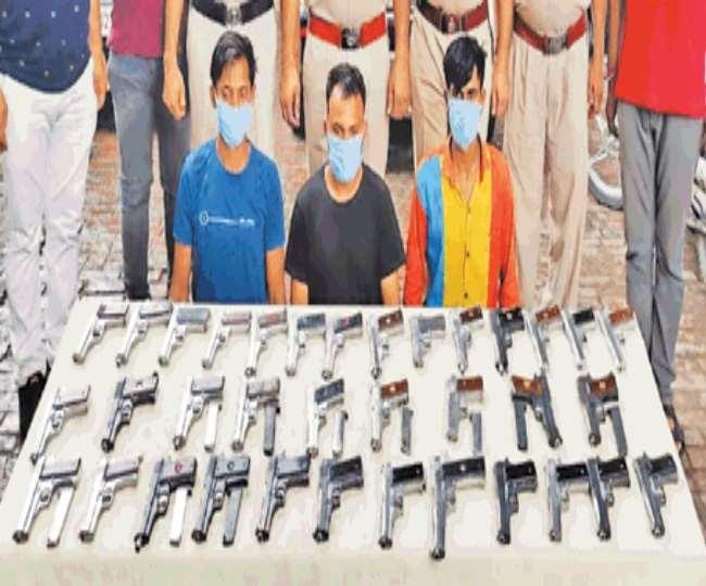 अंतरराज्यीय अवैध हथियार तस्कर गिरोह का पर्दाफाश।