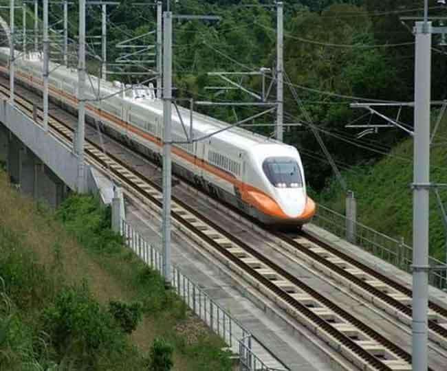 नीचे यात्री ट्रेन, 35 फीट ऊपर दौड़ेंगी मालगाडिय़ां, पंजाब एवं हरियाणा में हाइवे के ऊपर भी बिछेगी लाइन
