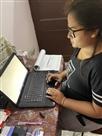 इन दिनों लैपटॉप ही है बॉस : शगुन