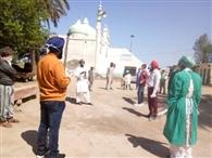 मस्जिदों में रहते परिवारों का किया चेकअप