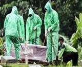 कोरोना वायरस ने अंतिम संस्कार और शोक जताने की परंपराएं बदलीं, प्रशासन ने लगाई पाबंदी