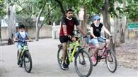 वक्त का बदलता मिजाज देख साइकिल बन रही लोगों की पहली पसंद