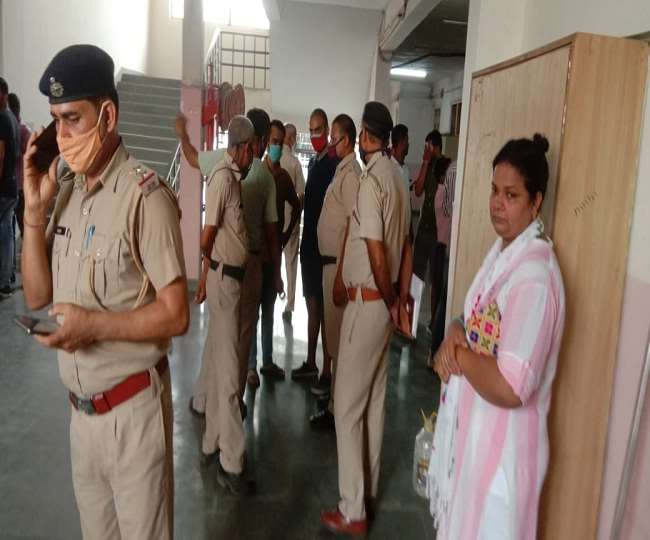 Lab assistant dies after getting stuck in sdvm school lift at panipat