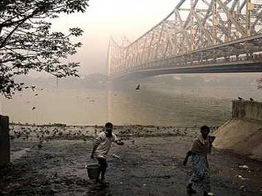 कोलकाता में पांच हजार से अधिक जलाशय गायब हुए हैं।