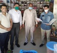 रसीदां और धनोरी में बिना एमआरपी का सामान मिला, दो दुकानदारों का चालान