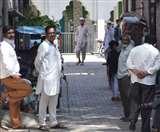 मस्जिद में सामूहिक रूप से नमाज पढ़ने से रोकने पहुंची पुलिस, हाथापाई, ग्रामीणों ने जान बचाई