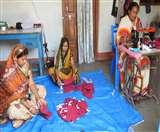 Coronavirus Lockdown : यहां महिलाओं ने संभाली मास्क बनाने की जिम्मेदारी Siddharthnagar News