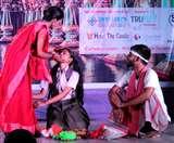 बांग्ला नाटकों के मंचन में आई कमी के बाद खड़ा हुआ हिंदी रंगमंच, 80 के दशक से हो रहा था संघर्ष Dhanbad News