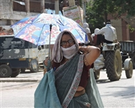 तापमान में गिरावट का सिलसिला जारी, गर्मी से मिली राहत