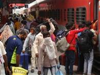 अप व डाउन मार्ग पर दर्जन भर ट्रेनों का हुआ परिचालन