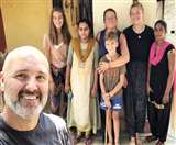 Lockdown 5.0: UP के इस शिवमंदिर में ढाई माह से नेपाल सीमा खुलने का इंतजार कर रहा फ्रांसीसी परिवार