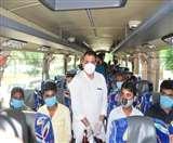 AAP नेता संजय सिंह के साथ आज बिहार रवाना होंगे 28 प्रवासी मजदूर, सांसद कोटे से मिला टिकट