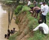 गोरखपुर में बाढ़ का कहर शुरू, आठ मकान व प्राचीन शिव मंदिर राप्ती में विलीन Gorakhpur News