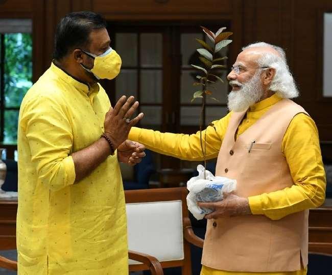केरल की लड़की ने पाला अमरूद का पौधा अब प्रधानमंत्री आवास के आंगन में होगा बड़ा