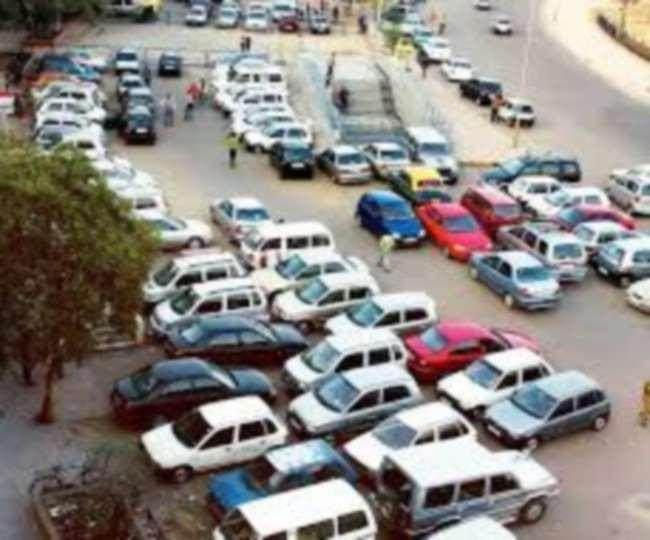 एक माह पूर्व नगर निगम की तीस पार्किंग का ठेका निलंबित हो चुका है। सभी पार्किंग मुफ्त हैं।