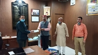 सदाशिव ध्यूंसर महादेव मंदिर ट्रस्ट ने दिया एक लाख का दान