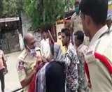 तेलंगाना: महिला ने ऑन ड्यूटी पुलिसकर्मी पर किया हमला, लॉकडाउन उल्लंघन करने का आरोप
