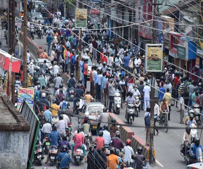 Crowd of people in the market on the first day of lockdown exemption in  haldwani