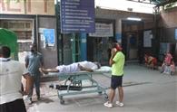 मरीजों की भीड़ से कराह उठा स्वामी दयानंद अस्पताल
