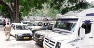 कोविड-19 सेंटर के पास अवैध पार्किंग से आफत