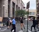 लॉकडाउन में पुलिस ने किया अनूठा काम, वीडियो देख जरूर देंगे शाबासी