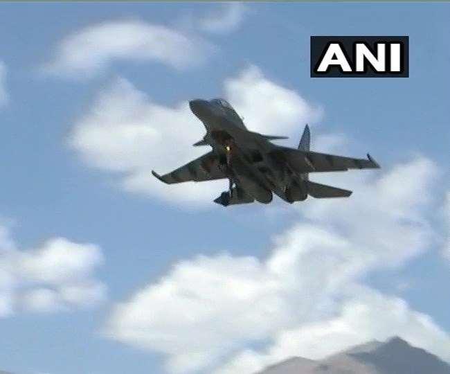 Video : एलएसी पर वायुसेना ने फिर दिखाई ताकत, सुखोई-30 और मिग-29 ने भरी उड़ान - दैनिक जागरण (Dainik Jagran)