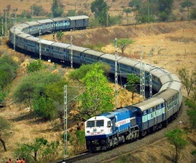 Indian Railways: 12 अगस्त के बाद भी ट्रेनों का परिचालन नहीं होगा सामान्य, रेलवे के नए आदेश से यात्रियों की उम्मीदों को लगा झटका