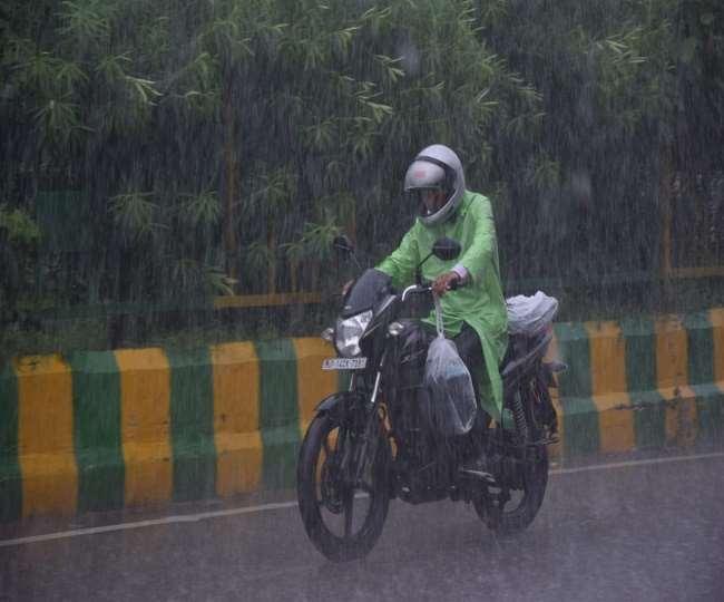 Weather Updates Today: दिल्ली-एनसीआर के कई इलाकों में दोपहर में दोबारा बारिश