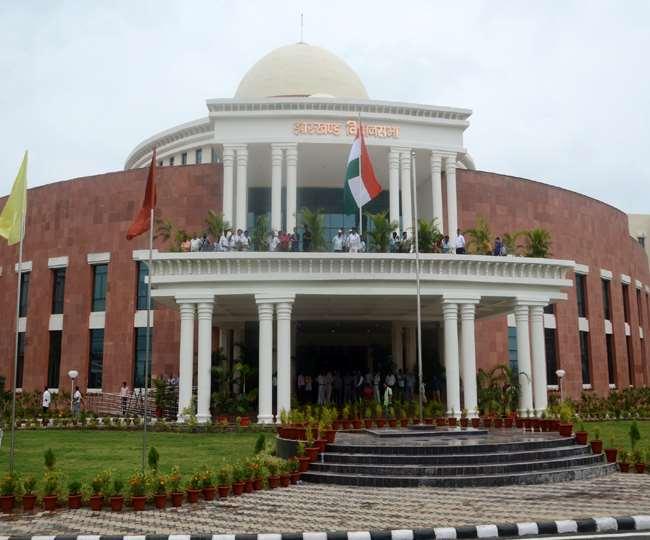 Jharkhand Assembly News, Hindi News झारखंड विधानसभा की नई बिल्डिंग में आदेश जारी किया गया है।