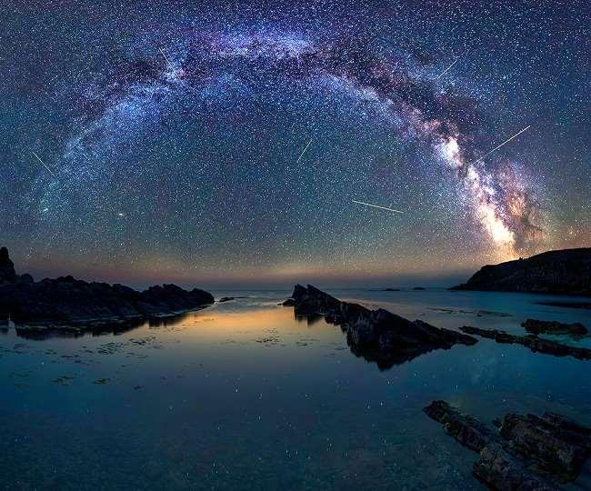 खगोलीय घटनाओं से भरपूर होगा अक्टूबर, सूर्य के करीब पहुंचेगा मंगल, टूटते तारे से रंगीन नजर आएगा आसमान