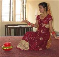 सौम्या ने नृत्य किया, निकिता ने बनाई सुंदर चित्रकला