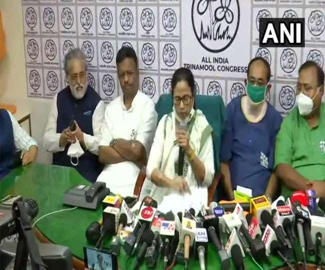 मुख्यमंत्री ममता बनर्जी ने बंगाल में तृणमूल के सभी 291 उम्मीदवारों के नामों का एलान
