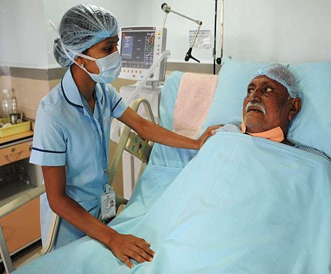 Nursing Career: ऐसे बनाएं नर्सिंग में करियर, जॉब्स के बढ़ रहे मौके; आकर्षक सैलरी
