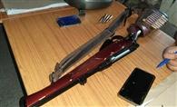 हिसक झड़प के दौरान तनी बंदूकें, चार गिरफ्तार