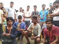 दौड़ प्रतियोगिता में सफल प्रतिभागी हुए पुरस्कृत
