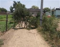 कई गांव के रास्तों को ग्रामीणों ने खुद किया बंद