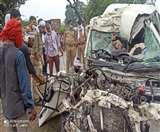 प्रतापगढ़ में ट्रक और स्कॉर्पियो कार की सीधी भिड़ंत, हादसे में एक ही परिवार के नौ की मौत-एक गंभीर