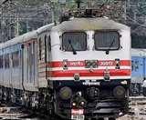 सीमित ट्रेनों के लिए भी नहीं मिल रहे यात्री, कोरोना के बढ़ते प्रकोप से सहमे लोग, ज्यादातर सीटें खाली