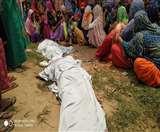 निर्माणाधीन मकान का लेंटर खोलते हुए गिरा मलबा, मजदूर और राजमिस्त्री की दबकर मौत