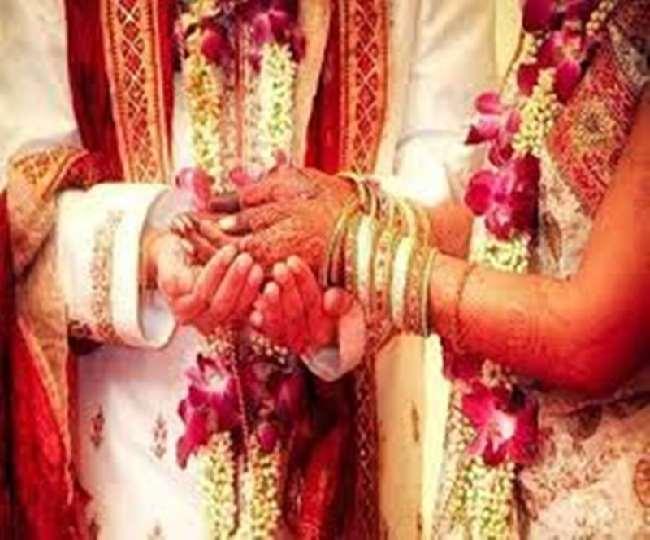 कोरोना काल के दौरान गुपचुप शादी रचाने वाले दंपतियों को अब विवाह पंजीयन कराने में परेशानी हो सकती है।