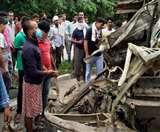 बस्ती में ट्रक ने कार को रौंदा, तीन की मौत- दो गंभीर Basti News