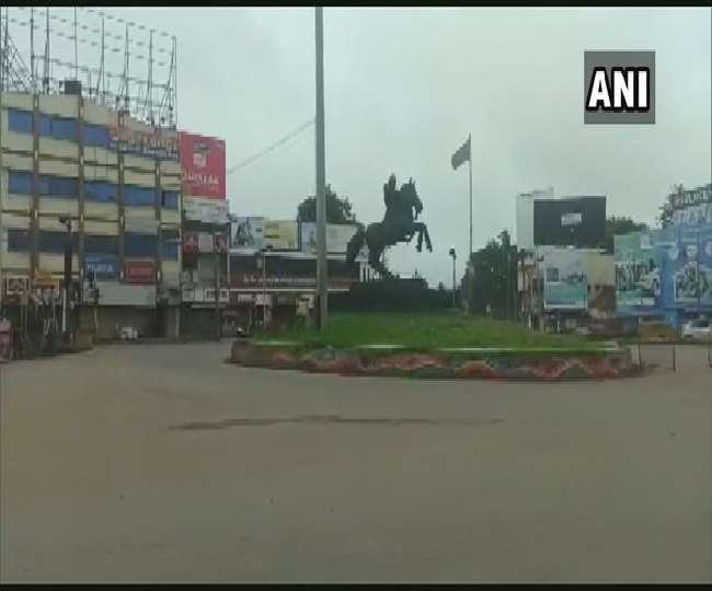 कर्नाटक के हुबली में दिखा संपूर्ण लॉकडाउन का असर, 2 अगस्त तक रहेगा जारी