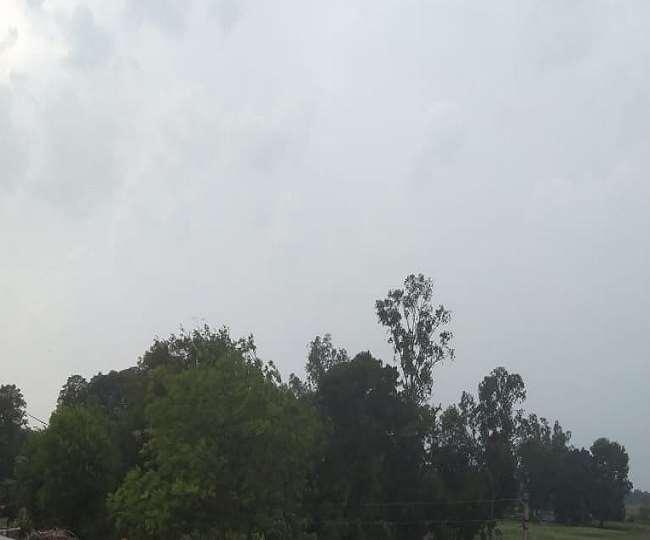 मौसम विभाग की यूपी-बिहार सहित कई राज्यों में बारिश की चेतावनी (फाइल फोटो)