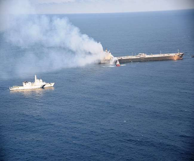 MT New Diamond was transported over 35 nautical miles of safe waters off the coast of Sri Lanka.