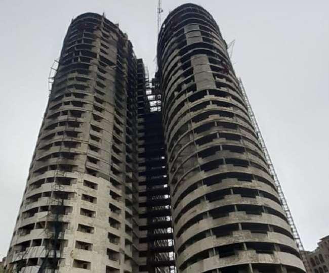 सेक्टर-93ए के सुपरटेक एमराल्ड कोर्ट के दोनों टावर एपेक्स और सियान 'जागरण
