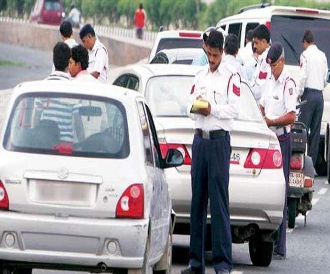 Delhi Traffic Challan News: लाखों वाहन चालकों को राहत, ये 4 कागजात 30 नवंबर तक हुए वैध; नहीं होगा चालान