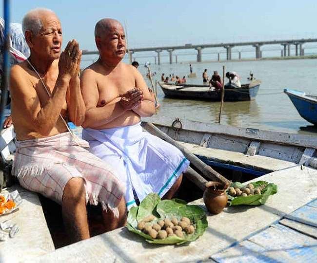 Sarv Pitru Amavasya 2021: कल है सर्व पितृ अमावस्या, इस दिन किन पितरों का होता है श्राद्ध
