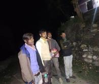 जंगल में छिपे मजदूरों को पहुंचाया रिलीफ सेंटर