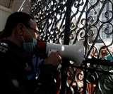 पाकिस्तान में कोरोना से बचाव के लिए सुरक्षा किट मांगने पर 150 स्वास्थ्य कर्मी हुए गिरफ्तार