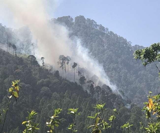 नासा के सेटेलाइट चित्रों ने बताया उत्तराखंड के जंगलों में 22 दिन में 1187 बार लगी आग।